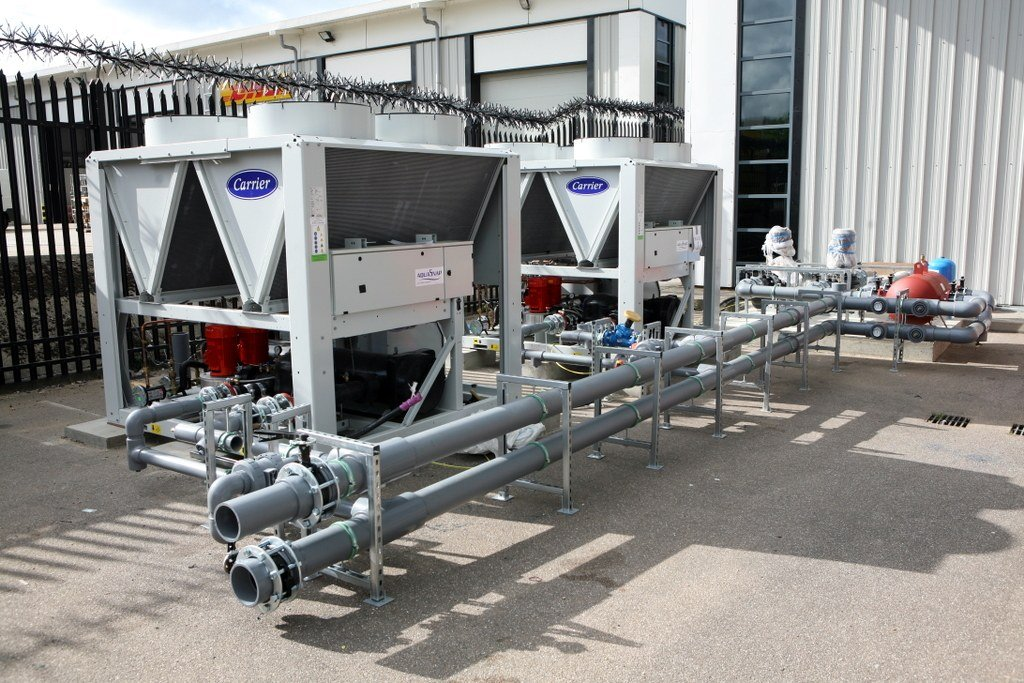 N+2 High Efficiency Packaged Chillers